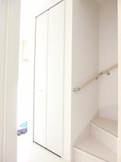 廊下にもクローゼット施工例です。
