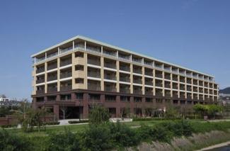 【マスターズマンション宝塚中山 中楽坊】シニア向け分譲マンションです♪生活支援スタッフが常駐!室内には緊急コールボタンを設置!地上6階地下1階建 総戸数147戸 ご紹介のお部屋は5階部分です♪