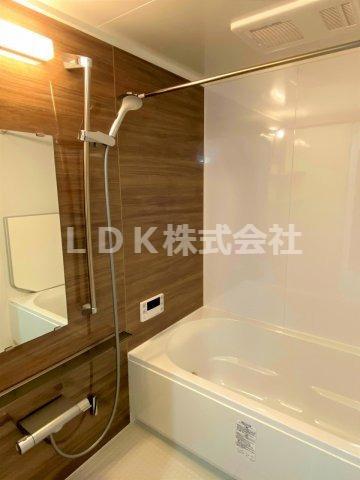 浴室/追炊機能で経済的です。さらに浴室乾燥機も付いているので外出や雨天にも使いやすいです。