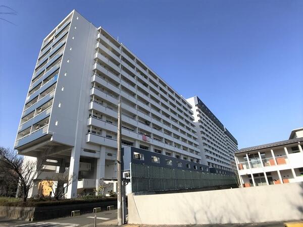 外観です 川崎河原町分譲共同ビル15号棟 メゾネットタイプ 2LDK+WIC+デスクスペース 西向き 眺望良好 新規内装フルリフォーム済 昭和50年10月築 全居室約6帖以上