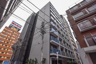 都営新宿線「浜町」駅より徒歩約3分にあります。