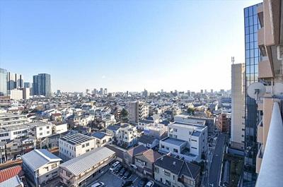 前面に高い建物が無く見晴らしの良い眺望です。