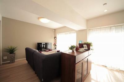 リビングは収納付きで室内をより広くスッキリお使い頂けます。