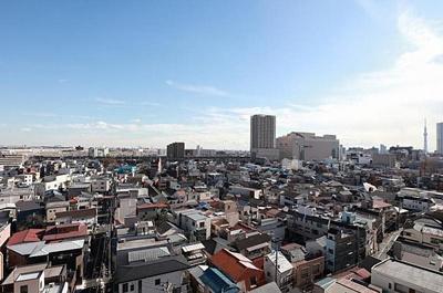 11階建最上階からの眺望は開放的です。