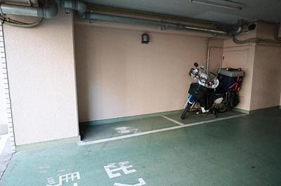 バイク置場も完備しております。
