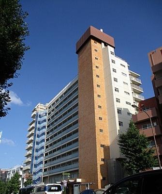 JR山手線「目黒」駅より徒歩圏内の立地。