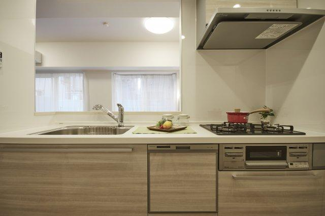 お料理しやすいキッチンです 奥様の時間を有効活用できる食器洗浄付き