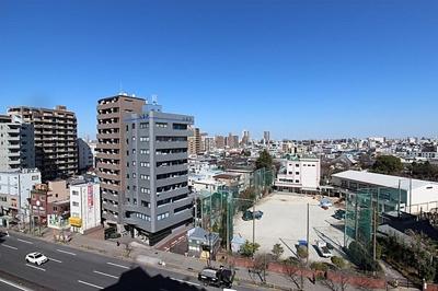 9階ですので晴れた日にはお部屋から広い青空をご覧いただけます。