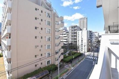 4階部分のお住まいにつき眺望も良好です。