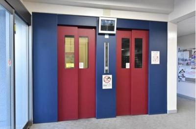 便利なエレベーターは2基搭載されております。