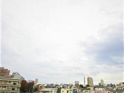 6階部分のお部屋からは新宿の街並みを一望できます。