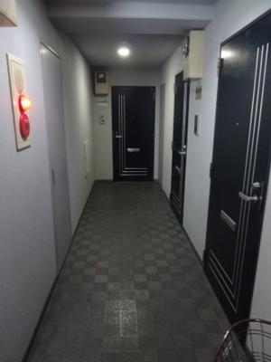 グランシャリオ根岸 共用廊下