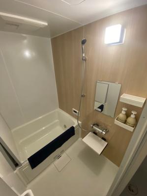 浴室乾燥機付きの新規のお風呂です。
