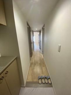 まっすぐの廊下は掃除もしやすいです。
