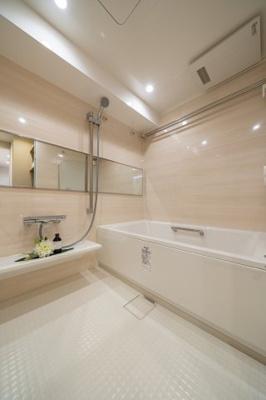 浴室は雨の日のお洗濯物も干せて便利な浴室換気乾燥機付きです。
