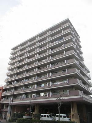 お住まいは9階部分につき陽当り、眺望、風通しも良好です。
