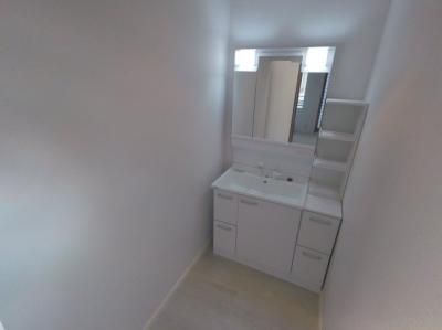 2階にも洗面台があります。