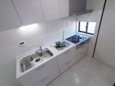 清潔感のあるキッチンです。