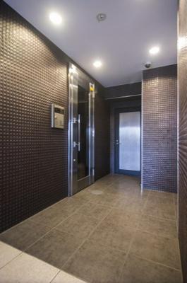 ホテルライクな内廊下設計です。管理体制良好です。