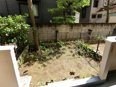 【庭】市ヶ谷第3ローヤルコーポ
