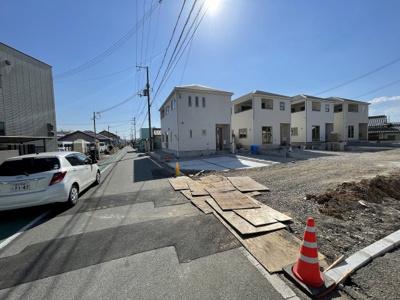 【前面道路含む現地写真】小野市中町第5 2号棟