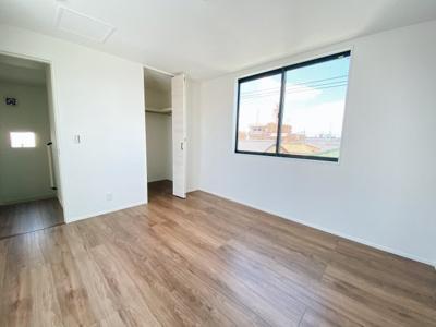全居室2面採光のため、明るく風通りも良好です♪収納も完備!広々住空間確保♪