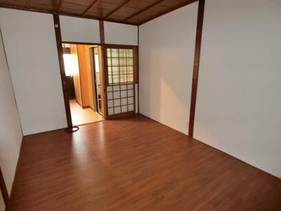 【居間・リビング】野崎1丁目テラスハウス