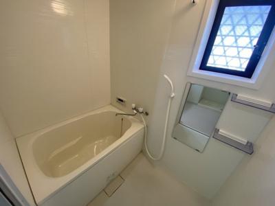 【浴室】タウンハウスさくらい