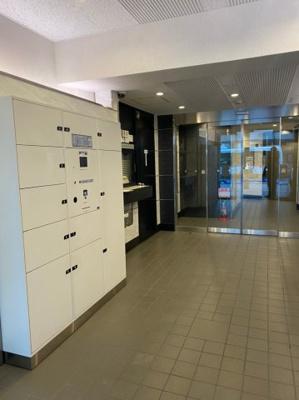 留守中に届けられた宅配物や小荷物を確実に受け取り、保管する宅配用ボックスを設置。