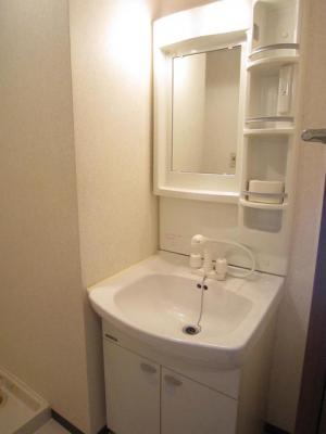シャワー付洗面台です。