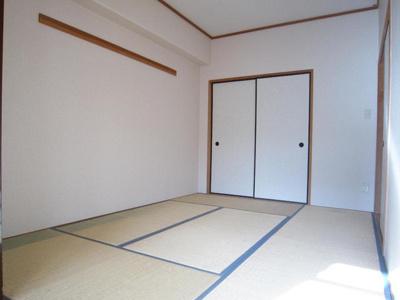 和室は収納1間です。
