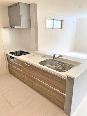 浄水器付きキッチン・床下収納