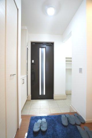 シューズインクロークで玄関まわりがすっきり片付けられます。
