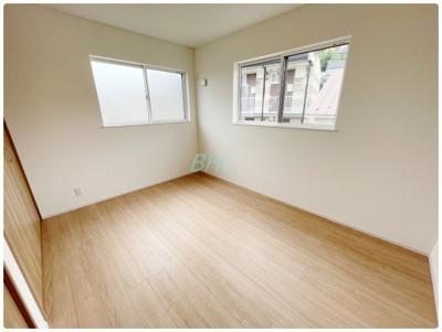 クローゼットのあるお部屋!荷物を収納することでお部屋をスマートに見せることができます。気持ちの良い自分空間を♪