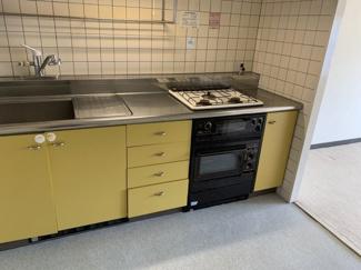 独立キッチンです♪急にお客様が来られても合わt無くても大丈夫ですね(^^)