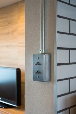 細部までこだわりのあるトグルタイプのスイッチコンセントがすべてのお部屋にあります