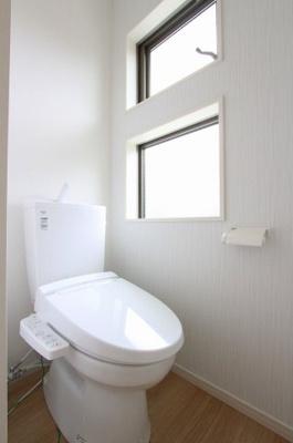 清潔感のあるトイレです:建物完成しました♪♪毎週末オープンハウス開催♪三郷新築ナビで検索♪