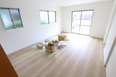 リビングです:建物完成しました♪♪毎週末オープンハウス開催♪三郷新築ナビで検索♪
