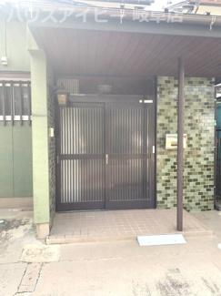 岐阜市御望 中古住宅 照明・エアコン付き!玄関に・トイレ・廊下に手すり付いてます♪