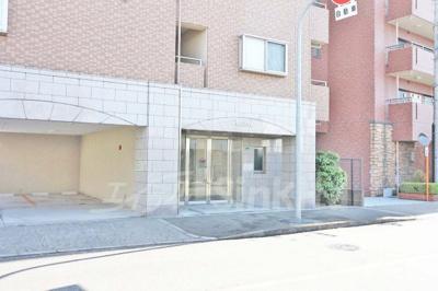 【エントランス】ロイヤル西三国