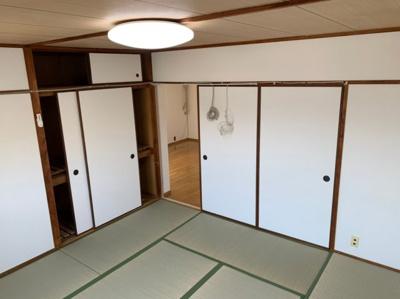 柔らかい畳が心地よい和室です。