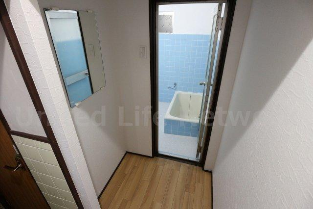 浴室前スペース