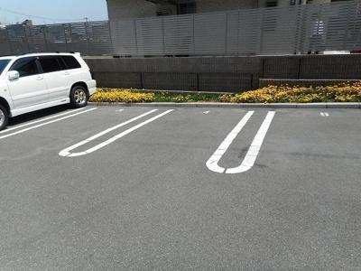 【駐車場】ブルックサイド摂津