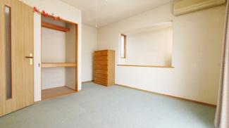 2階の7帖の洋室です