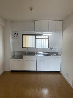 和室です。畳は断熱性・保温性があり使い勝手も良いですね。