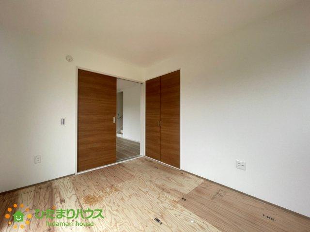 リビングと続き間の和室は空間を広く演出してくれますね。