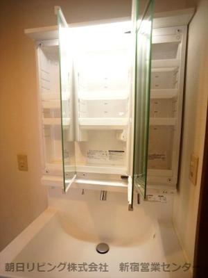 1階と3階にお手洗いがございます。