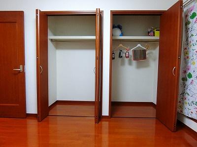 洋室6帖のお部屋にあるクローゼットです!2ヶ所あるのが便利ですよね!お気に入りのお洋服もすっきり収納できます♪