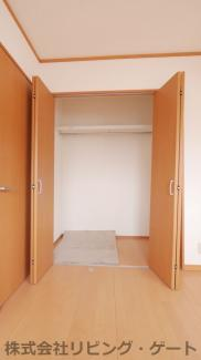 2階洋室のクローゼットです