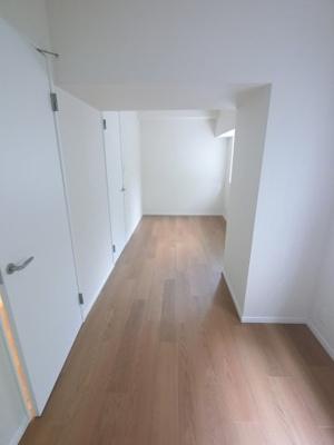 8.0帖の洋室は主寝室にいかがでしょうか。